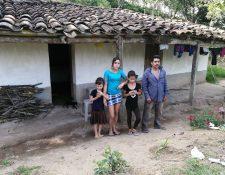 La familia de Miriam Yolanda Pacheco Padilla no tiene claro qué fue lo que pasó con ella, pues luego de varios días en el Hospital General San Juan de Dios, falleció, pero no les entregaron sus restos. (Foto Prensa Libre: Elizabeth Hernández)