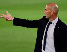 El técnico madridista no cree que los árbitros los beneficien con sus decisiones. Foto Prensa Libre: AFP