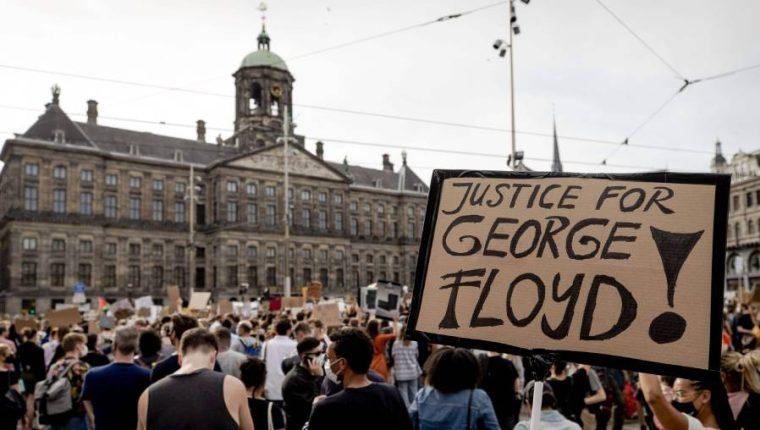 Ciudadanos exigen justicia en EE. UU. por  el asesinato de George Floyd. (Foto Prensa Libre: AFP)