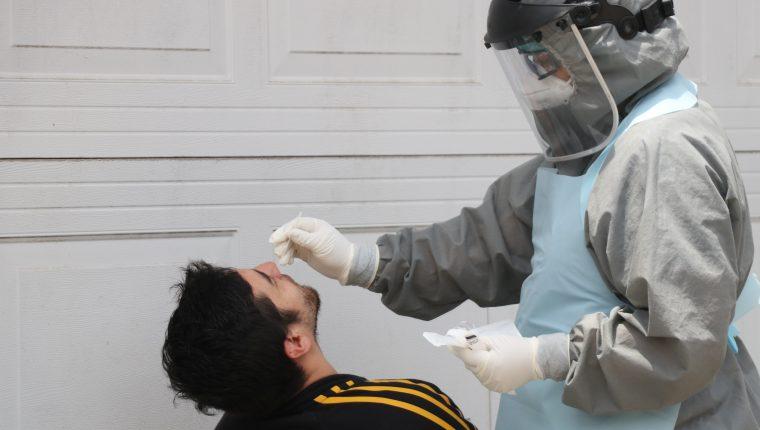Colegio de Médicos pide al presidente Giammattei y a la ministra Flores tomar medidas más drásticas para evitar el coronavirus