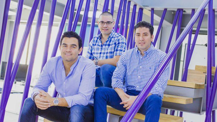 De izquierda. a derecha, los fundadores de la aplicación móvil hugo- CEO Alejandro Argumedo-CTO Juan Maceda y CFO Ricardo Cuéllar.