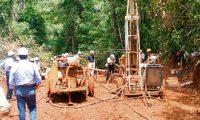 La Compañìa de Niquel de Guatemala emmpezò hacer los trabajos de exploraciòn de es mineral y reconstruirà la antigua planta de procesamiento de Exmibal, en el Estor, Izabal.