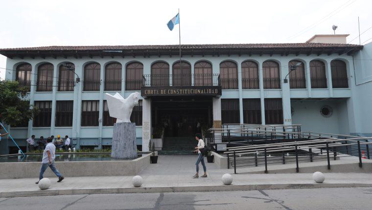 Magistrados de la CC suspenden sesión y no logran acuerdos sobre solicitud de cesantía de Neftaly Aldana