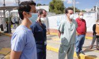 El personal médico y de enfermería del hospital temporal del Parque de la Industria han denunciado en repetidas ocasiones falta de insumos. Fotografía: Prensa Libre (Noé Medina)
