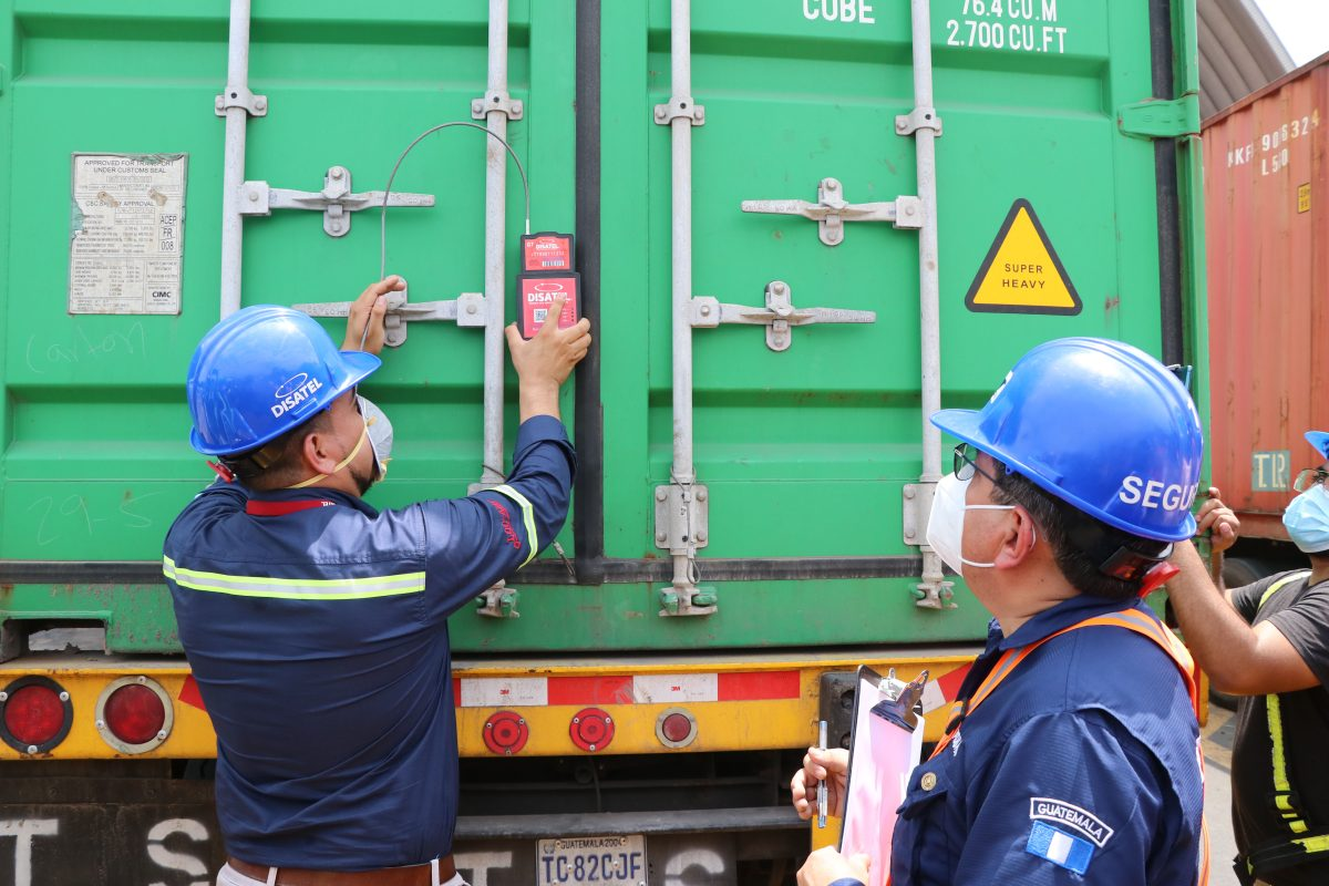 Aduana Puerto Quetzal entra a la era del control satelital de los contenedores