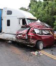 Choque de tráiler y camioneta ocurrió en el kilómetro 145 de la ruta CA-2 occidente. (Foto Prensa Libre: Marvin Túnchez)