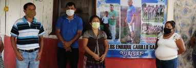 Familiares de Enrique Carrillo exigen a las autoridades que les autoricen exhumar su cuerpo para llevarlo a un cementerio en San Pablo Jocopilas, Suchitepéquez. (Foto Prensa Libre: Marvin Túnchez)