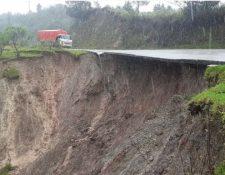 Tramo dañado en la ruta entre San Mateo Ixtatán y Santa Eulalia. (Foto Prensa Libre: Mike Castillo).