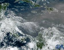 Tormenta de polvo del Sáhara ayer a las 10 horas en el Caribe (Foto Prensa Libre: ClimaYa.com / NOAA)