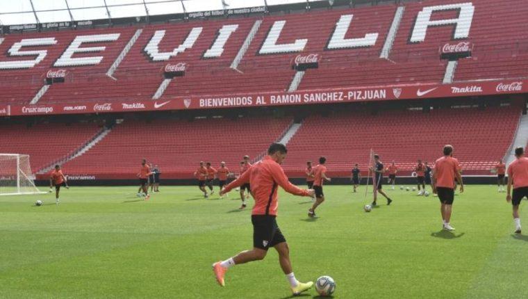 El Sevilla se prepara para enfrentar al Betis. (Foto Prensa Libre: Twitter Sevilla FC)
