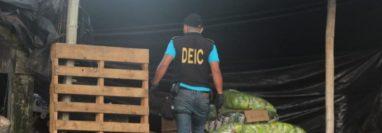 Autoridades efectúan allanamientos en distintos puntos del país para capturar a señalados de contrabando. (Foto Prensa Libre: PNC)