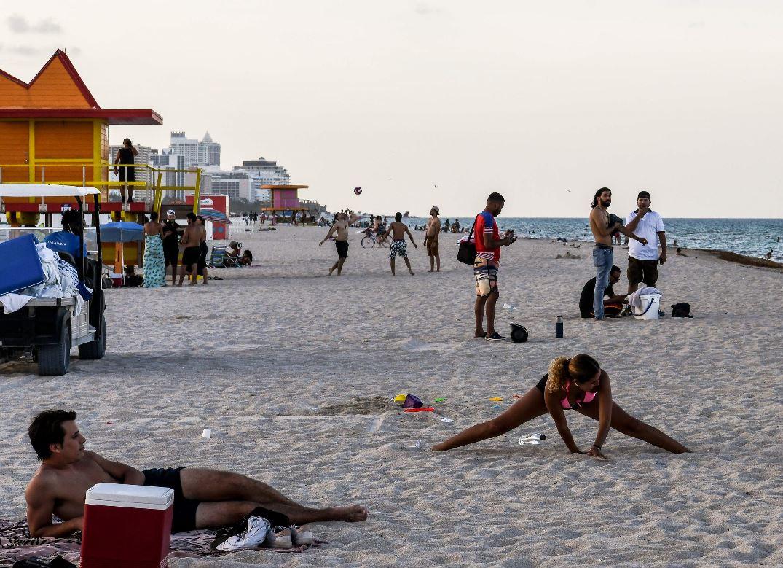 Playas, fiestas y alcohol: el recorrido por Florida que muestra cómo los jóvenes desafían las restricciones y también al coronavirus