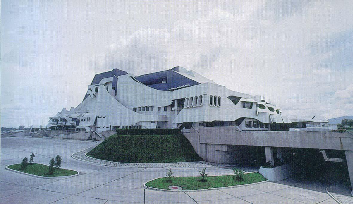 El Centro Cultural Miguel Ángel Asturias llega a 42 años con solemnidad arquitectónica