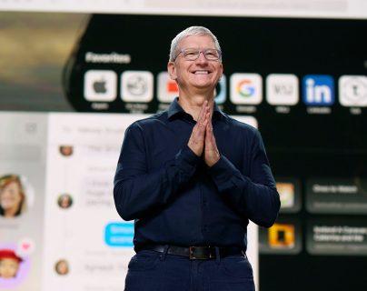 Tim Cook, de Apple, durante la Conferencia Mundial de Desarrolladores de Apple (WWDC). (Foto Prensa Libre: EFE)