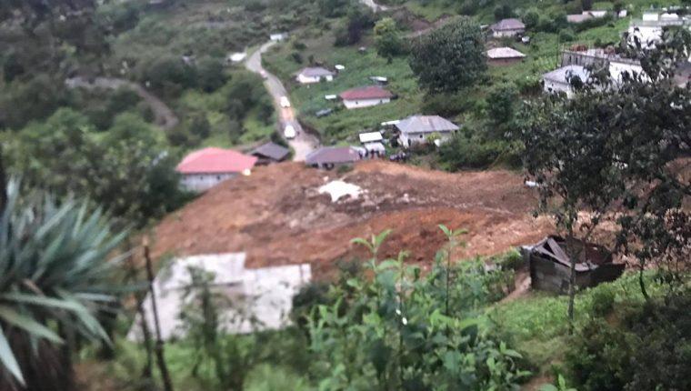 Vista del deslizamiento que se registró  en Todos Santos Cuchumatán, Huehuetenango.(Prensa Libre: Mike Castillo)