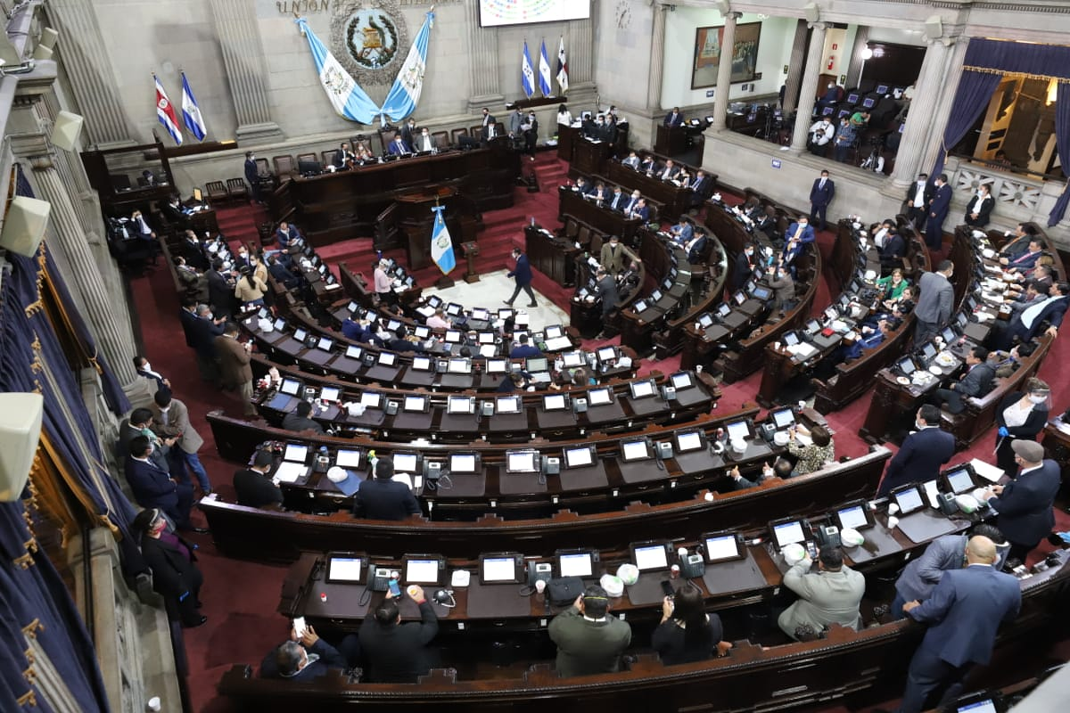 Cortes cumplen 10 meses en cargos interinos y Congreso posterga la elección