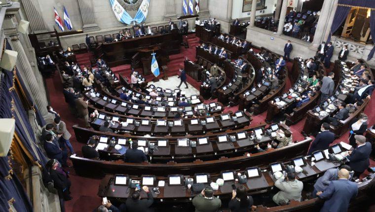 Diputados que conforman la alianza oficialista buscan retirar la inmunidad a cuatro magistrados de la CC. (Foto Prensa Libre: Hemeroteca PL)