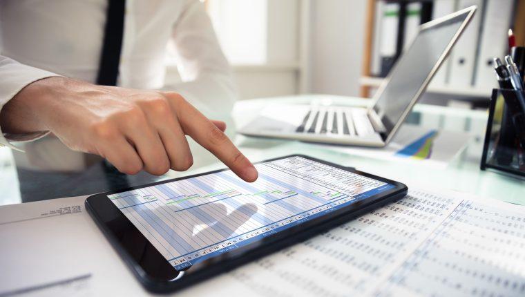 Guatemala aún posee una brecha digital importante, y urge de herramientas de gobierno electrónico. (Foto Prensa Libre: Shutterstock)