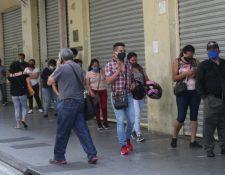 En los próximos día comenzará el segundo desembolsó de Q1 mil para beneficiarios del Bono Familia. (Foto Prensa Libre: Hemeroteca)