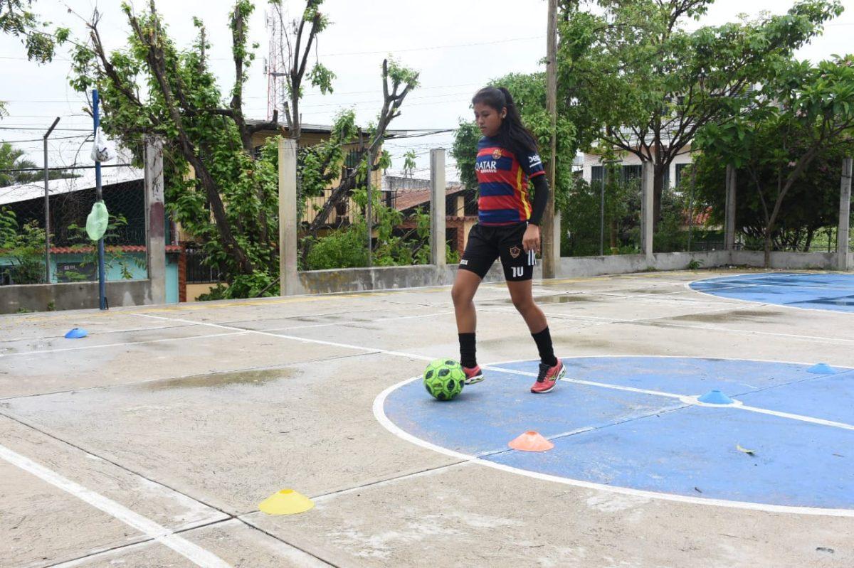 La futbolista Juliana Reinoso no renuncia a su sueño de jugar con la Selección, a pesar de que el coronavirus lo impidió