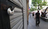 Comercio cerrado en distintos lugares de la ciudad de Guatemala debido a lo establecido por el Presidente para evitar el contagio del Coronavirus.  Fotograf'a. Erick Avila:           14/04/2020