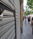 Restaurantes aún no pueden abrir servicio de mesas y centros comerciales y servicios turísticos siguen cerrados. (Foto, Prensa Libre: Hemeroteca PL)