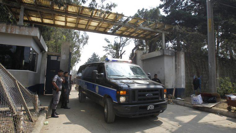 Los reos contagiados con coronavirus han sido trasladados a la cárcel Fraijanes 2. (Foto Prensa Libre: Hemeroteca).