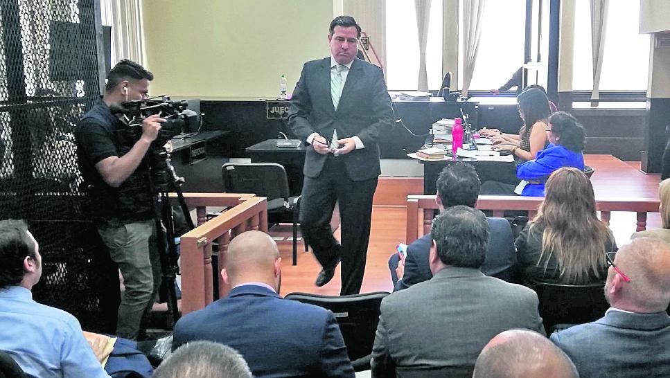 Niegan arresto domiciliario a excandidato presidencial Luis Fernando Pérez quien, según el MP, evadió la prisión preventiva
