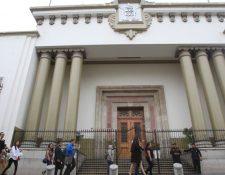 El asueto del 1 de noviembre se correrá para el lunes 2, según dispuso el Ejecutivo. (Foto Prensa Libre: Hemeroteca PL)