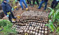 Las autoridades incautaron bombas caseras. Foto Prensa Libre: PNC