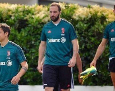Gonzalo Higuaín ha recibido fuertes críticas en redes sociales por su condición física. (Foto Prensa Libre: Twitter @SanCadilla)