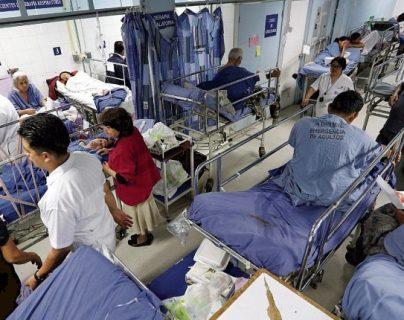 Los servicios de salud requieren equipo, insumo y apoyo. (Foto Prensa Libre: Hemeroteca PL).