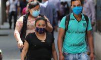 La OMS recomienda utilizar las mascarillas de tela. (Foto Prensa Libre: Érick Ávila)