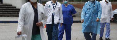 Los médicos son los que están en primera línea del frente de batalla frente al covid-19. (Hemeroteca PL)