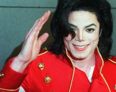 El cuerpo de Michael Jackson tenía múltiples marcas de pinchazos y cirugías.  Foto de archivo: AFP