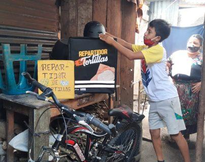 William Ben Mejía reparte tortillas y utilizaba esa bicicleta, la cual fue robada en su propia casa. Hemeroteca PL)