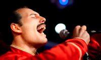 Una réplica de cera del legendario cantante de la banda 'Queen', Freddie Mercury del museo Madame Tussauds de Londres. EFE/ROBERT SCHLESINGER