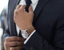 Expertos opinan que habrá cambios en el código de vestuario de oficina a raíz de la pandemia del nuevo coronavirus. (Foto Prensa Libre: Unsplas)