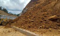 Uno de los derrumbes registrados en los últimos meses en el libramiento de Chimaltenango. (Foto Prensa Libre: Hemeroteca PL)
