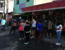 Las tiendas de barrio y abarroterías son puntos de abastecimiento de alimentos en medio de la pandemia. (Foto Prensa Libre: Hemeroteca)