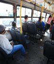 El distanciamiento entre pasajeros fue una medida de protocolo. (Foto Prensa Libre: Carlos Hernández)