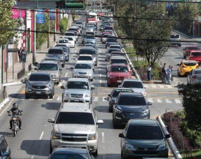Las ventas de vehículos cayeron  en muchos países. (Foto, Prensa Libre: Hemeroteca PL).