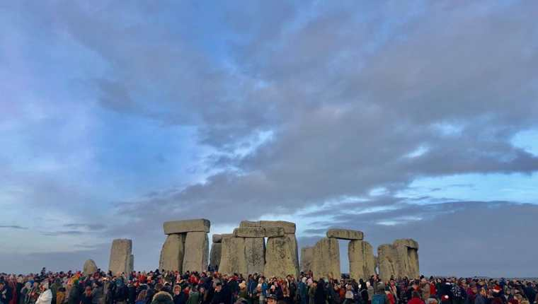 El solsticio de verano tiene en el conjunto megalítico de Stonehenge. (Foto Prensa Libre: English Heritage)