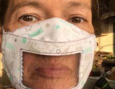 """Claire Cross ha donado las mascarillas para que las personas sordas se sientan """"seguras e incluidas""""."""