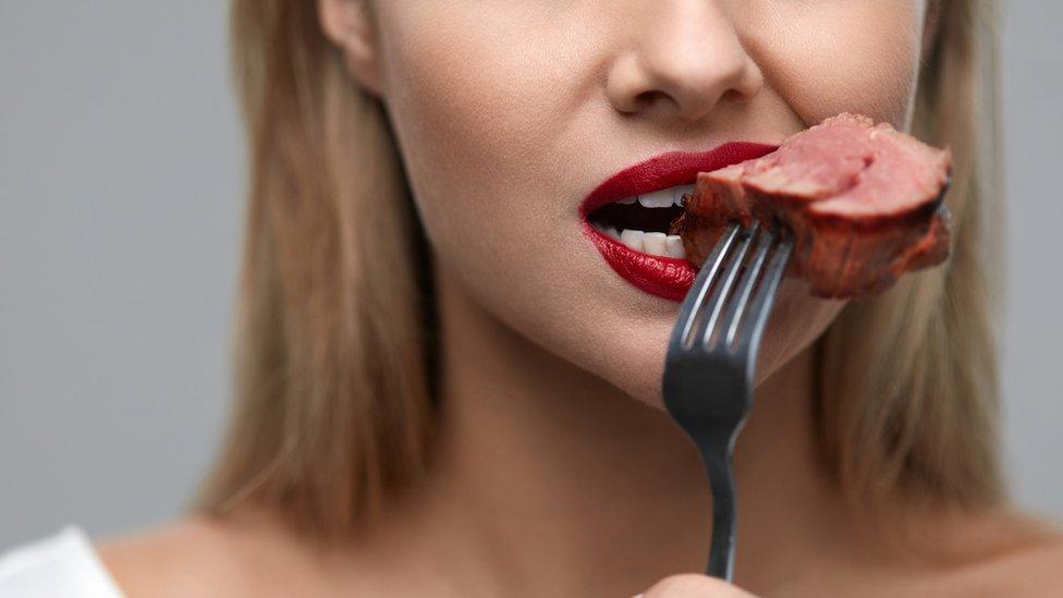 Consumo de carne: ¿es natural que los humanos la incluyamos en nuestra dieta?