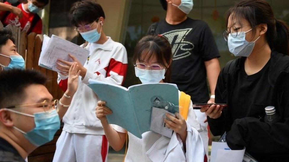 """Acceso a la universidad en China: cómo es el gaokao, el """"examen más difícil del mundo"""""""