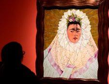 """En """"Autorretrato con Tehuana"""", como en muchas otras ocasiones, Frida Kahlo luce un vestido zapoteca."""