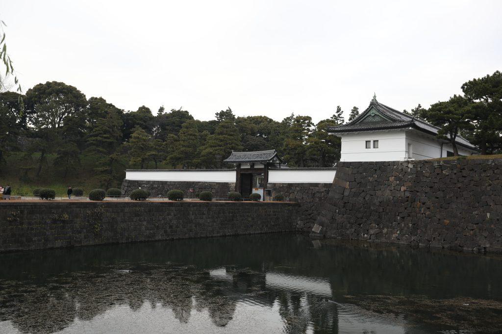 Uno de los ingresos al Palacio Imperial de Tokyo, la residencia oficial de la familia imperial japonesa. (Foto Prensa Libre: Daniel Guillén Flores)