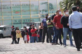 Guatemala reporta más de 900 casos diarios de coronavirus y una bebé entre las víctimas mortales