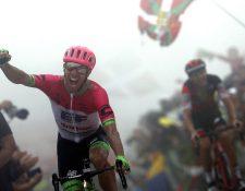 El ciclista canadiense Michael Woods volvió a competir después de romperse el fémur. Foto Prensa Libre: Tomada de redes